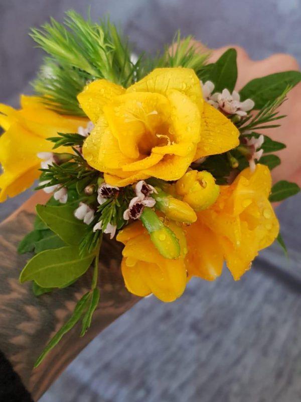 Bratara florală nunta