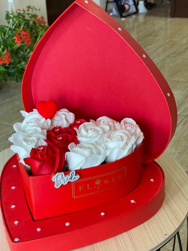 Cutie trandafiri săpun Bride