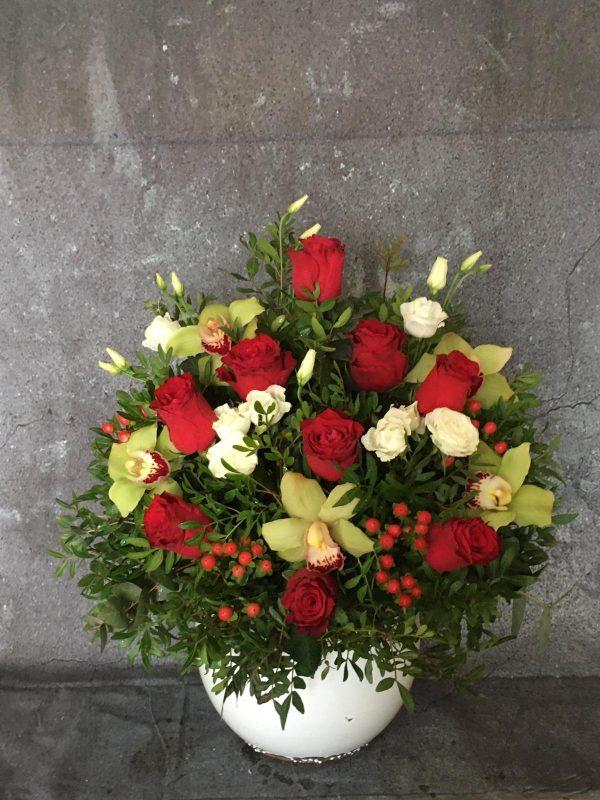 Vaza aranjament floral romantic