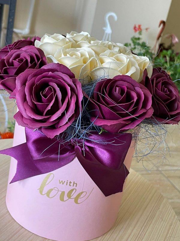 Cutie trandafiri săpun delicați