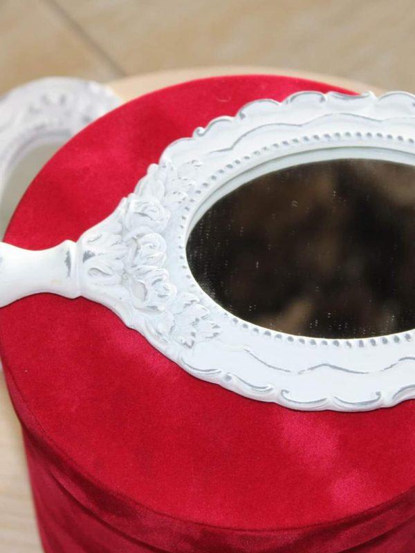 Oglinda bride